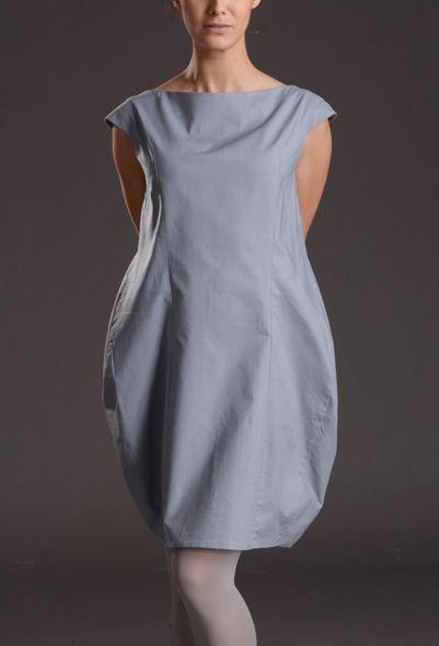 """Šaty """"Šedý Tetřev"""" jsou jedny zmodelů kolekce 2014 -"""