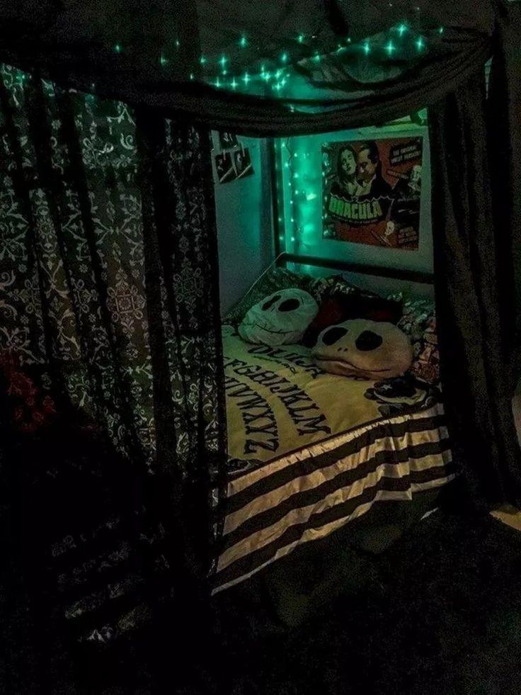 42 Cozy Halloween Bedroom Decorating Ideas Halloween