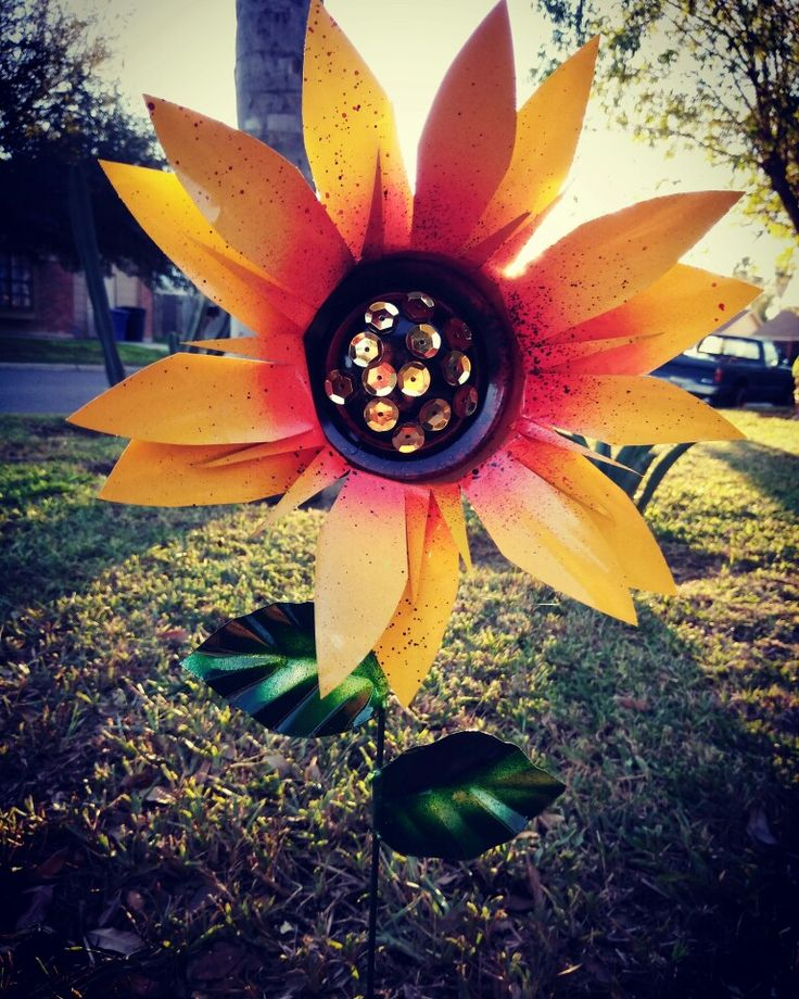 Sunflower garden stake, metal garden art
