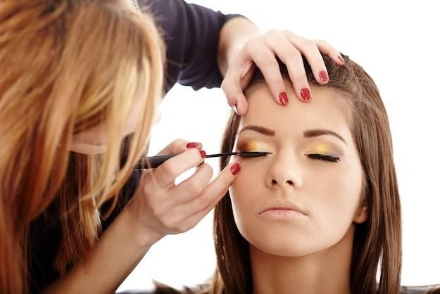Κάνε online κράτηση για #makeup ή #αισθητική στο σπίτι, επιλέγοντας την επαγγελματία, την ημέρα και την ώρα που θες.  www.homebeaute.gr #aesthetics