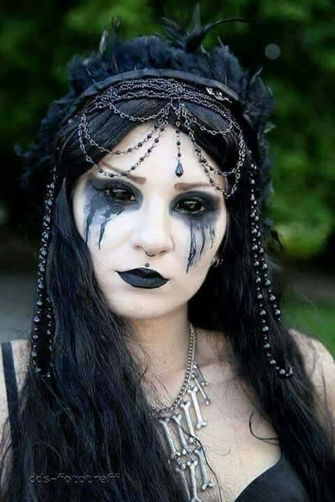Creepy makeup