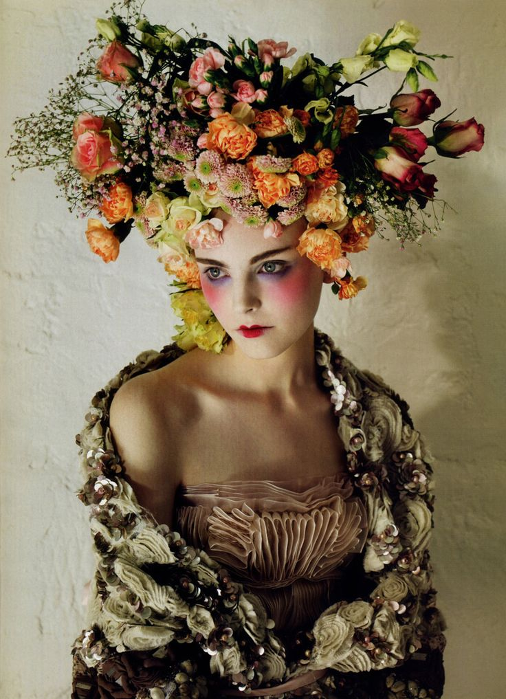 .: Head Pieces, Flowers Crowns, Flowers Power, Flowers Hair, Floral Headpieces, Mary Antoinette, Fashion Photography, Floral Fashion, Floral Crowns