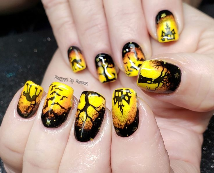 Ombre Halloween nail designs custom nails spooky trees ...