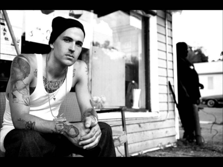 Yelawolf - Hustle (Feat. Paul Wall)