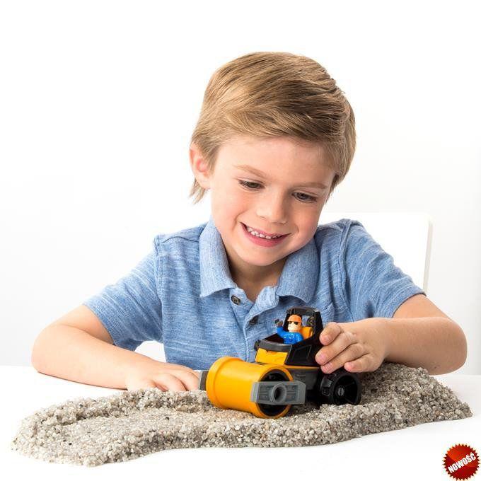#Nowość od producentów piasku #KineticSand, wyprodukowana z prawdziwych, naturalnych skał, które magicznie sklejają się ze sobą. Zestaw #KineticRock #Rozdrabniarka pozwala formować, budować i miażdżyć elementy. Na takie budowanie można bawić się godzinami!