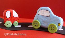 Sassi colorati come macchinine, tutorial creativo su FunLab blog http://blog.funlab.it/2014/05/dipingere-i-sassi/