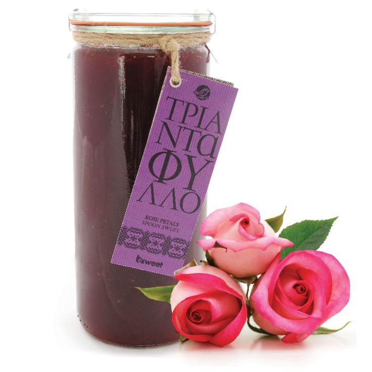 Γλυκό του κουταλιού Τριαντάφυλλο χωρίς γλουτένη. Με ελληνικούς καρπούς. Σε επώνυμο βάζο ανώτερης ποιόητας, κατάλληλο για οικιακή χρήση. | Rose spoon sweet with greek fruit. Gluten free
