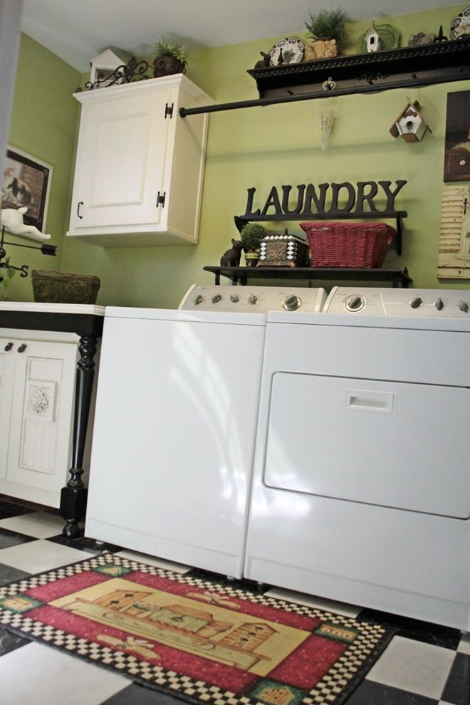 who knew laundry rooms could be well-decorated