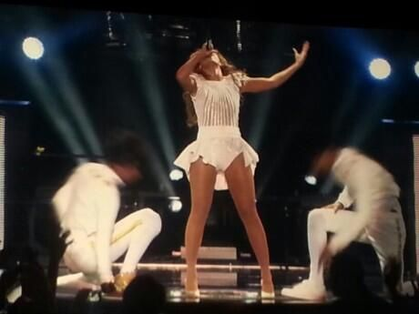 THIS IS THE CHRONICLES OF EFREM: See scenes from The Mrs Carter Show with Beyonce in Belgrade, Serbia!