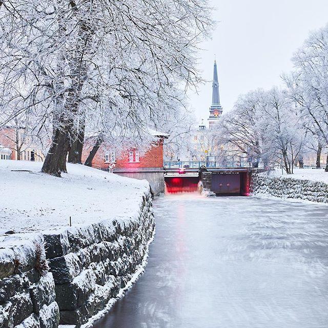 Äntligen lite vinter i #västerås #högupplöstkärlek #vinter #svartån
