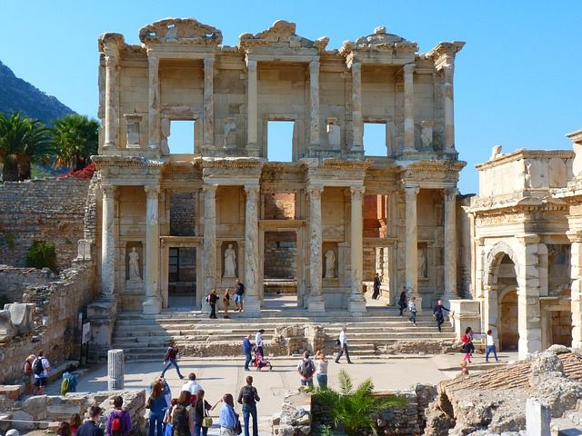 A popular place in the Bible, the Greek city of Ephesus is one of the largest cities in the Roman Empire way back in 1st century B. C. - See more at: http://holidaybays.com/discover-turkey-best-places-food/#sthash.lemPT79m.dpuf