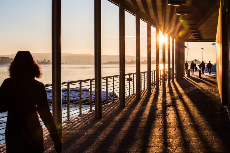 Solnedgang på Tjuvholmen i Oslo