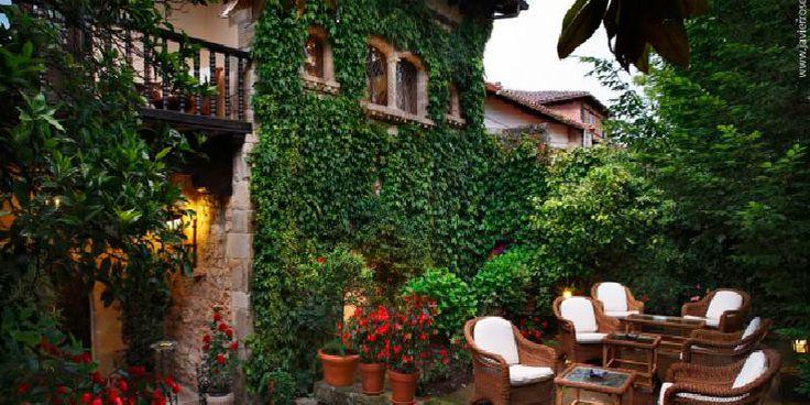 Qué comer, dónde comer, dónde dormir en Santillana del Mar. Los restaurantes de moda, elige tu hotel en Santillana del Mar, bares animados, tapas...