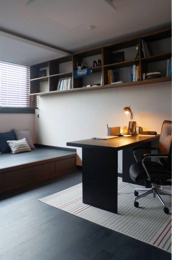 단차를 이용한 서재공간의 활용 : 모던스타일 서재 / 사무실 by 마르멜로디자인컴퍼니