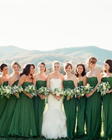 bridesmaids green and white contrast