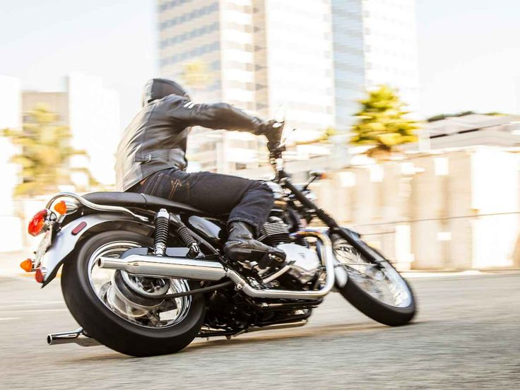 2015 Triumph Bonneville T100 SE | SHORT SHIFT MOTORCYCLE REVIEW
