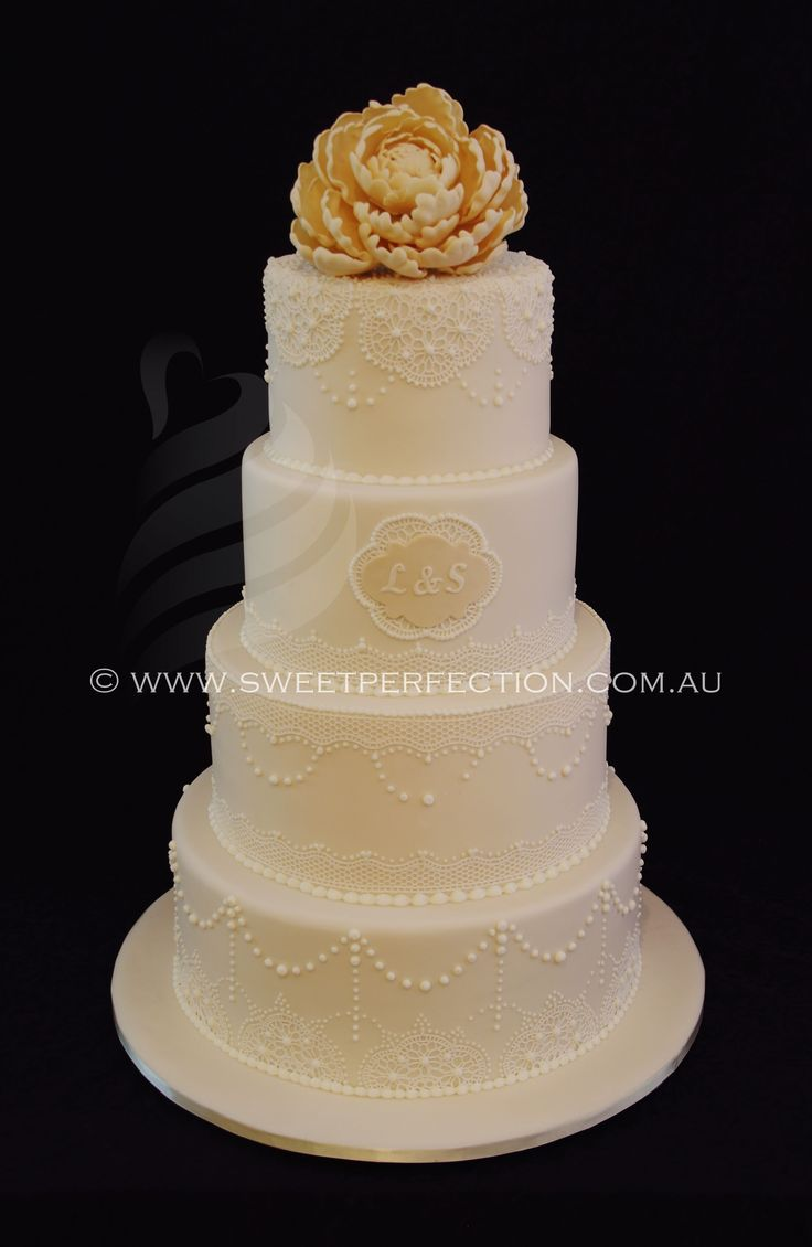 wedding cakes lace icing 1000 images about sweet perfection wedding cakes on 24867