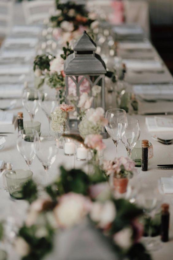 Décoration de table de mariage rose et gris - Les décorations de tables de mariage qui font de l'effet - Elle