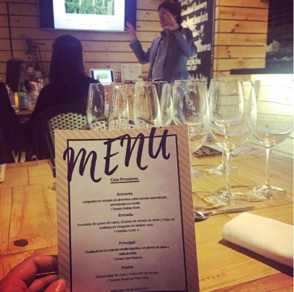 Empezamos la Cata Premium en Bogotá con @bodegavistalba 🍷#catadevinos #winelovers #bebevino #vinosdelrio #vistalba