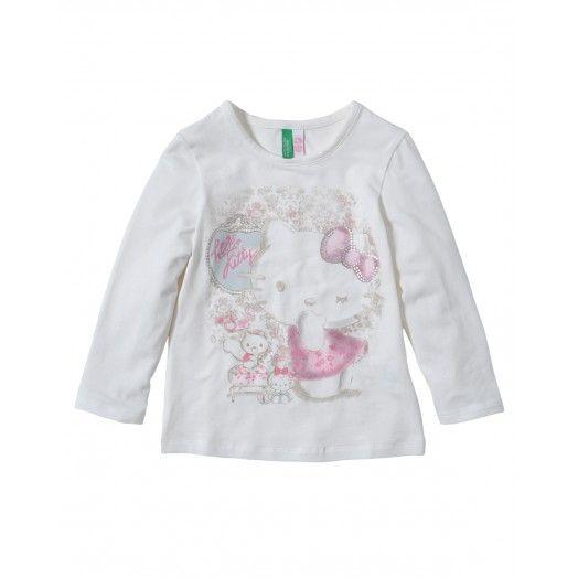 T-shirt maniche lunghe, girocollo in morbido jersey di cotone con stampa sul davanti. 19,95