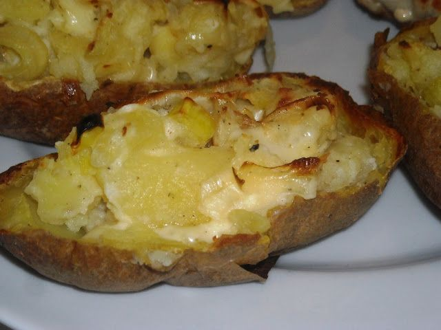 En verden af smag!: Halve Bagte Kartofler med Fyld