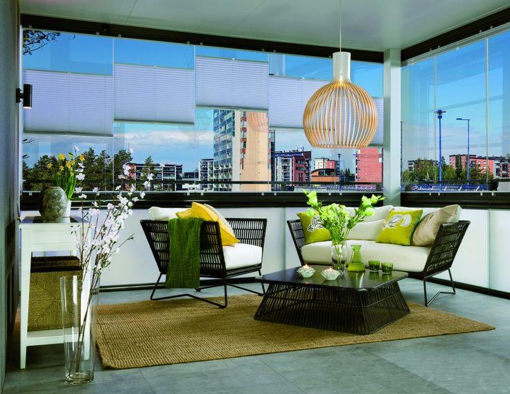Disfruta tu balcón todo el año con los Cierres de Cristal Plegables Lumon, con diseños vanguardistas, elegante y con vista panorámica. Conoce nuestro catálogo.