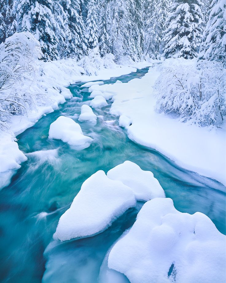 Tumalo Creek in winter, Bend Oregon winter, Shevlin Park, Central Oregon in winter, does it snow in Bend, Oregon. winter landscape photography