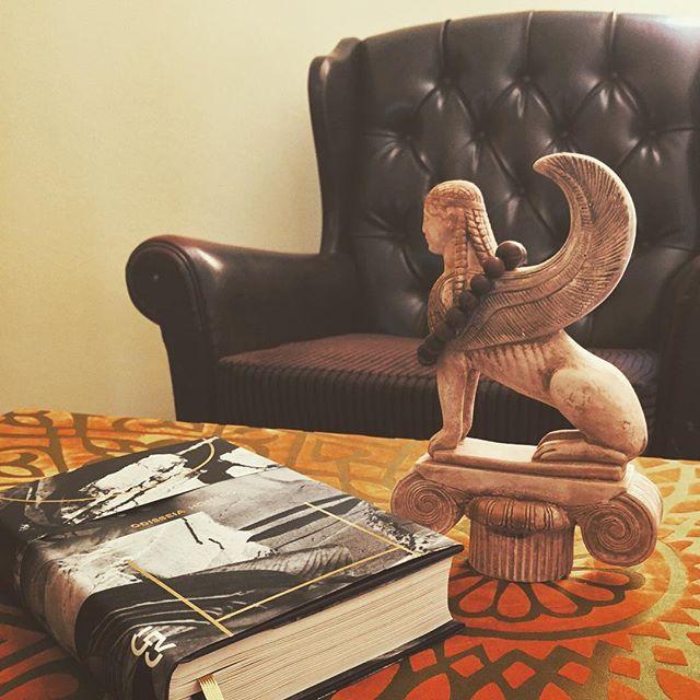 NARRA-ME, Ó MUSA #Odisseia #Homero #Odyssey #GreekLiterature #Literatura #Books #Livros #Libros #ClassicBooks #ClassicLiterature #Sphinx #Delphos #Delfos #Capitonné #Esfinge #CosacNaify #OdiresMlaszho #ChristianWerner #KonstantinosKavafis #FranzKafka #Poetry #Poesia #Epic #CaféTarot