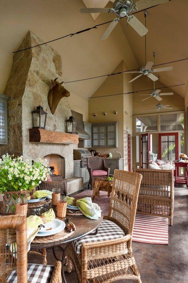 Уютная кухня в стиле кантри