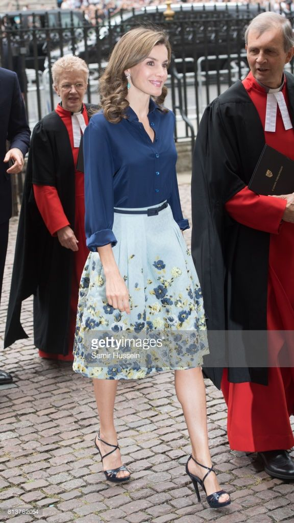 westminster station latino personals Switch to latino (español) feedback help en  meet singles lifestyle today royals style  william and harry arriving at westminster abbey, 2011.