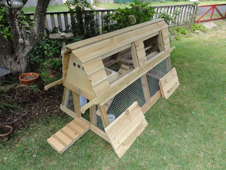 Chicken tractor. Classic appearance. Functional design. #yandeloracoops