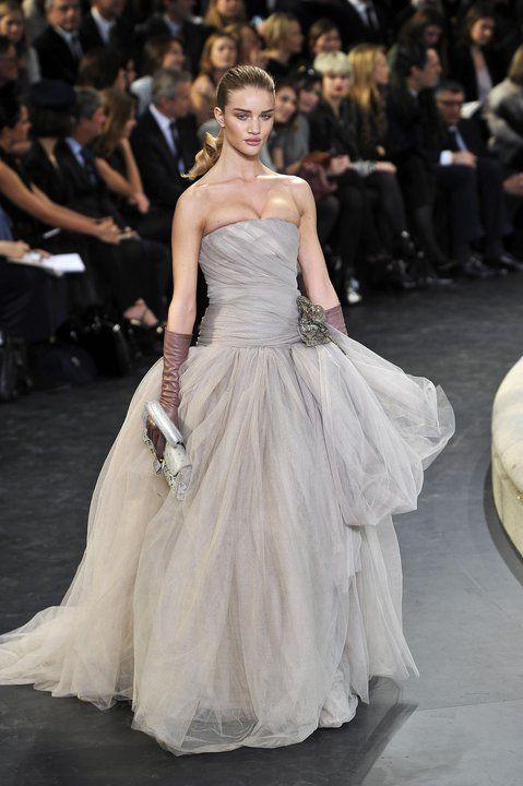 Najpiękniejsze suknie wieczorowe - Projekt: Louis Vuiton
