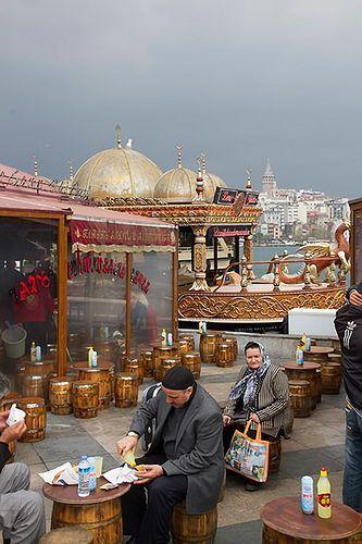 Lunchtime in Eminönü, Golden Horn, Istanbul, Turkey.