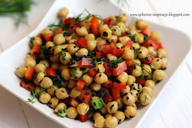 Qchenne-Inspiracje! FIT blog o zdrowym stylu życia i zdrowym odżywianiu. Kaloryczność potraw. : Sałatka z cieciorki z papryką i czarnym sezamem