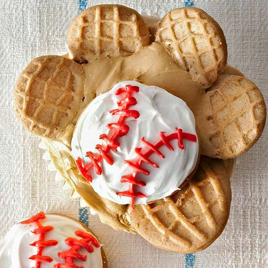 How cute! Satisfy Dad's sweet tooth with these adorable Baseball Glove Cupcakes. More creative Father's Day desserts: http://www.bhg.com/holidays/fathers-day/recipes/creative-ideas-for-fathers-day-treats/?socsrc=bhgpin060613baseball=2