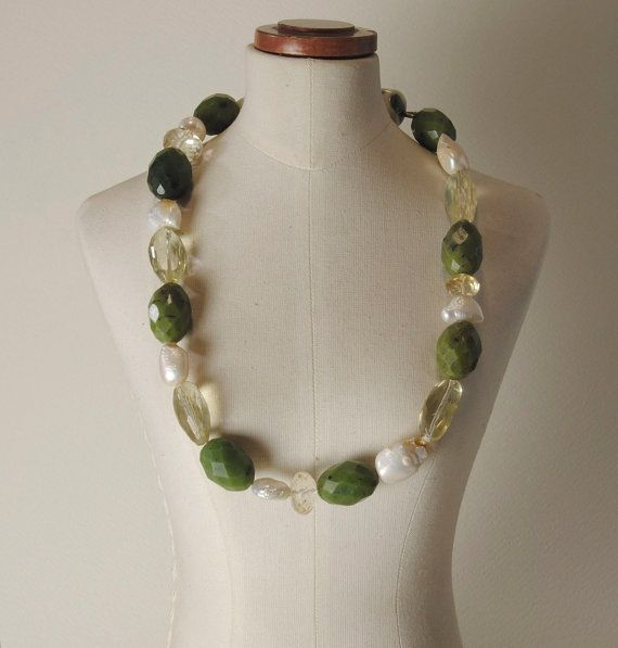 Jade, Pearls, Citrine Quartz and 925% Silver closure necklace