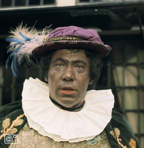 Zwarte Piet Römer. De enige echte Piet. Ook als is hij mocca chocolata bruin en niet gepoetst met schoensmeer of zwarte schmink. Dat gaf niet. Hij was DE hoofdpiet.