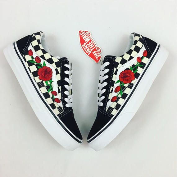 100% Authentic Vans with roses for sale. Low top old skool