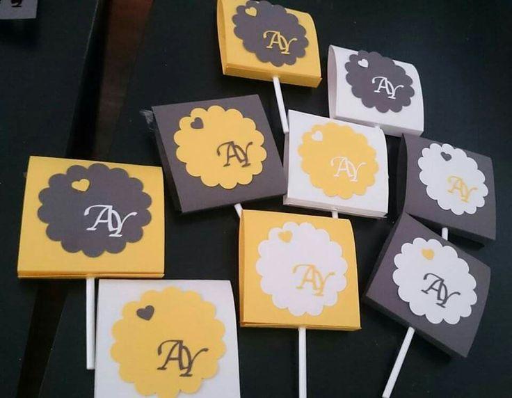 Diseñode regalos para invitados piruletas