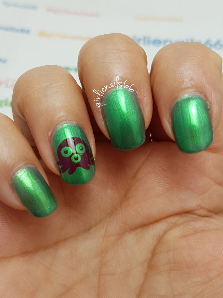 Green Octopus nails