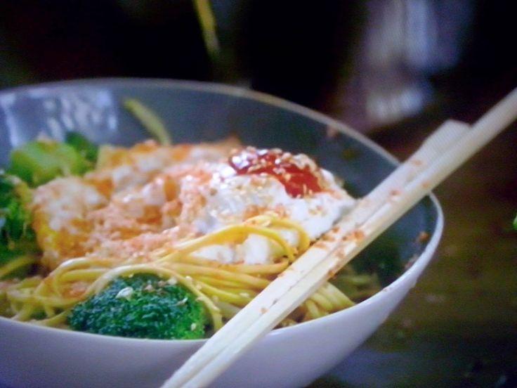 La cucina tradotta di Jamie: Tagliatelle cinesi con uova fritte