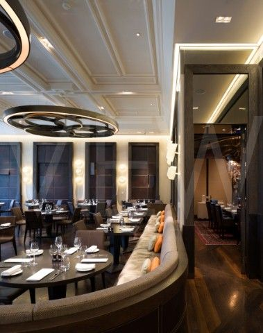 Dinner Heston Blumenthal Restaurant Mandarin Oriental Hotel Tihany Design London 2010 interior view