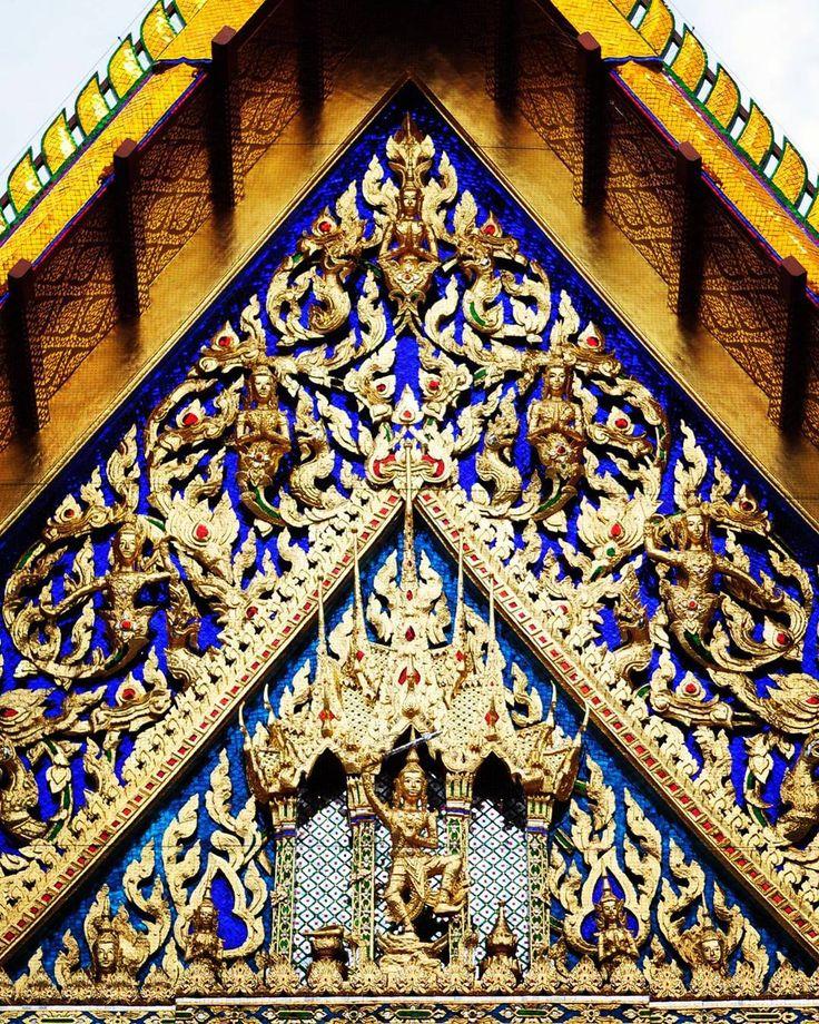 "(@ritafadeyeva) on Instagram: ""Невероятной красоти храмы.. 😳💞 #Никон #бангкок #watarun #temple #nikon #bangkok"""