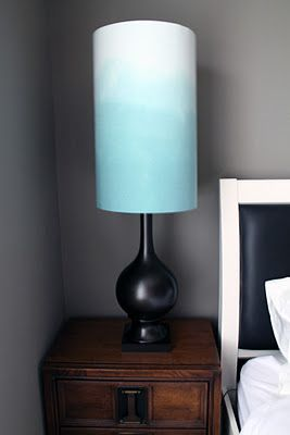 Chris loves Julia: Oh My Lampa! - Spray painted base and ombre shade....she totally remade the shade!