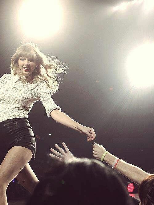 Pin by Celebrities Pics on Taylor Swift | Taylor swift ...
