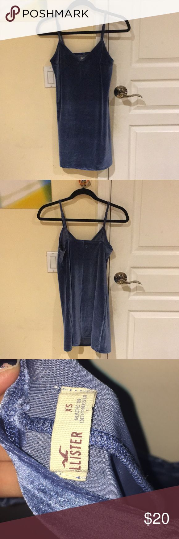 Barely worn velvet Hollister dress XS Barely worn blue velvet dress. Really cute to wear with sheer stockings and heels! ‼️25% off on bundles 2+‼️ Hollister Dresses Mini