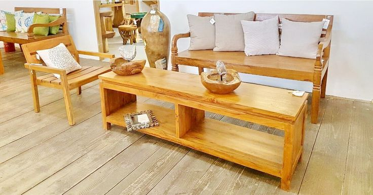 Use as coffee table or console this unique piece of teakwood furniture is the perfect piece to update your living room.#bali #balifurniture #jepara #jeparafurniture #aluminumfurniture #aluminiumfurniture #dining #diningchair #diningroom #diningtable #design #designmag #designideas #furniture #indoorfurniture #interior #interiordesign #interiorideas #rattan #rattanfurniture #teakfurniture #teakwood