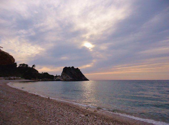 view from Samos island near Karlovasi   Σάμος - πανέμορφος ουρανός γη και θάλασσα σε αρμονία   #aegean #relax #horizon #walk #nature #environment #sea #beach #seashore #sky #blue #pintrplaces #sunset #place #potami #Samos #island http://my.aegean.gr/gallery/Places/Greece/Samos/Karlovasi_Potami_DSC01158.JPG.html