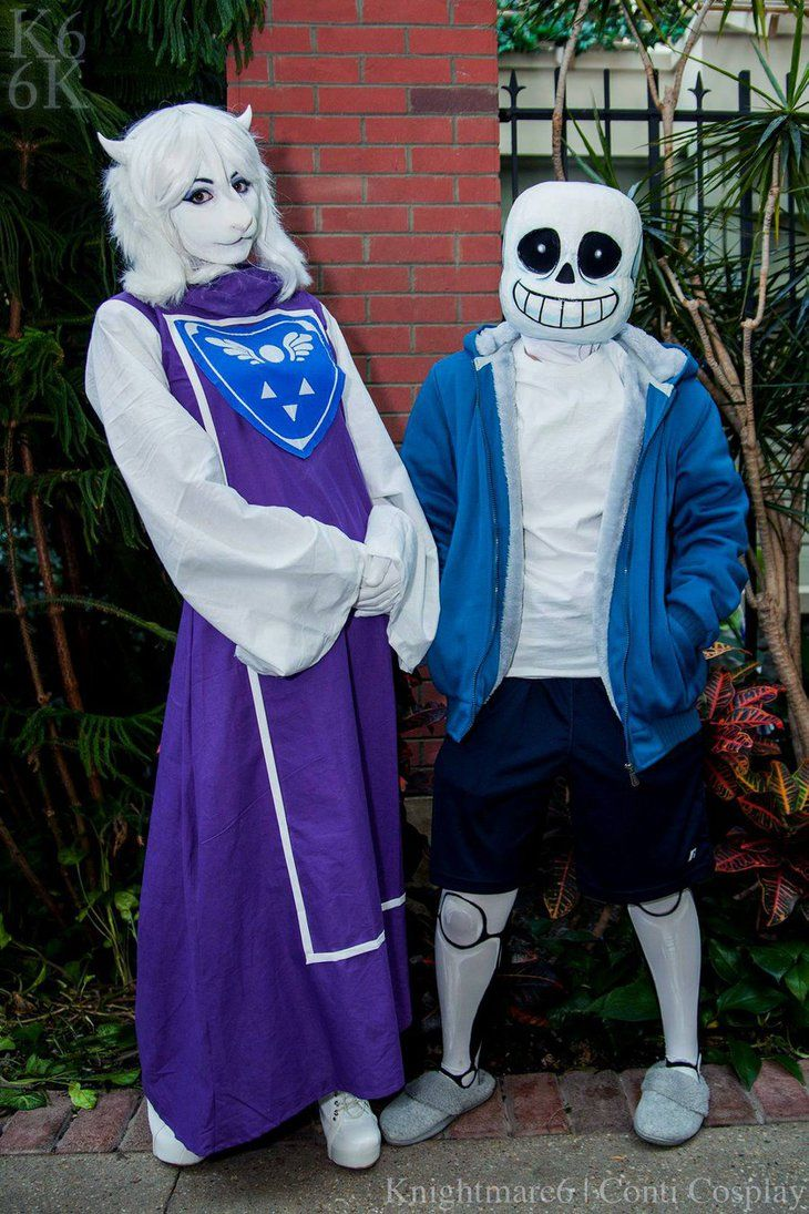 Toriel cosplay by arorea of DeviantArt. Photography by knightmare6. Also, there's a Sans that's her friend. #Undertale