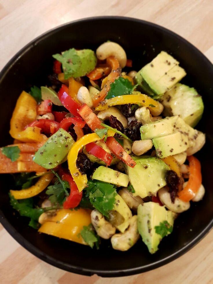 vegan salad #avocado #corriander #peppers #hempoil #chiaseeds #applecidervinegar #cashewnuts
